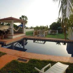 Отель Casa Bonita Guesthouse бассейн