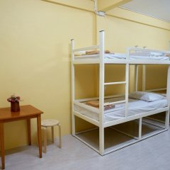 Отель Room 218 - Dorm For Rent - Adults Only Бангкок комната для гостей фото 2