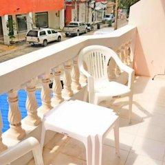 The Galiness International Backpacker Hostel Phuket балкон