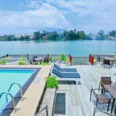Отель Bentota River Edge Шри-Ланка, Бентота - отзывы, цены и фото номеров - забронировать отель Bentota River Edge онлайн бассейн