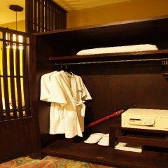 Отель Duangjitt Resort, Phuket Пхукет сейф в номере