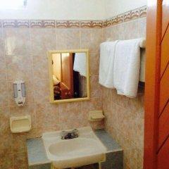 Отель Hostel Kiosco Verde Folk Room Мексика, Канкун - отзывы, цены и фото номеров - забронировать отель Hostel Kiosco Verde Folk Room онлайн ванная