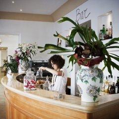 Отель SOVRANA Римини гостиничный бар