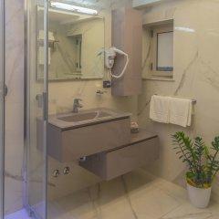 Отель Marina Centro Suite Римини ванная