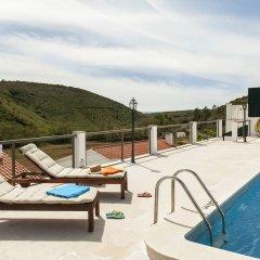 Отель Beachouse - Surf, Bed & Breakfast бассейн фото 2