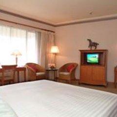 Отель Equatorial Kuala Lumpur Малайзия, Куала-Лумпур - отзывы, цены и фото номеров - забронировать отель Equatorial Kuala Lumpur онлайн комната для гостей фото 4