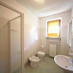 Отель Camping Garden Tourist Манерба-дель-Гарда ванная фото 2