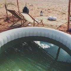 Отель Kam Kam Dunes Марокко, Мерзуга - отзывы, цены и фото номеров - забронировать отель Kam Kam Dunes онлайн бассейн фото 2