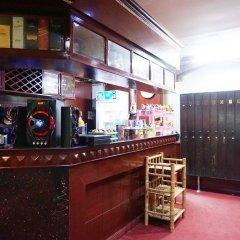 Отель Max-One House гостиничный бар
