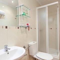 Отель Hostal Luz Испания, Мадрид - 7 отзывов об отеле, цены и фото номеров - забронировать отель Hostal Luz онлайн ванная фото 2