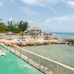 Отель Pipers Cove - Runaway Bay пляж фото 2