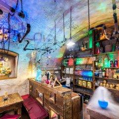 Отель MOOo by the Castle Чехия, Прага - отзывы, цены и фото номеров - забронировать отель MOOo by the Castle онлайн гостиничный бар