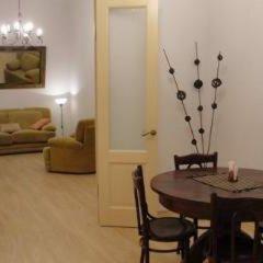 Апартаменты Elegy On Nevskiy Apartments Санкт-Петербург в номере фото 2