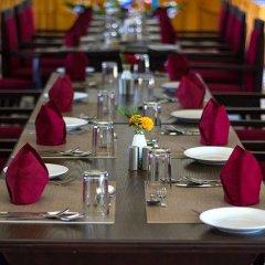 Отель Royal Palm Resort Непал, Покхара - отзывы, цены и фото номеров - забронировать отель Royal Palm Resort онлайн помещение для мероприятий фото 2