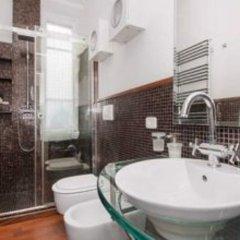 Отель Casa Maximo Al Colosseo Италия, Рим - отзывы, цены и фото номеров - забронировать отель Casa Maximo Al Colosseo онлайн ванная