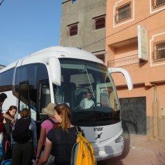 Отель Auberge De Jeunesse Ouarzazate - Hostel Марокко, Уарзазат - отзывы, цены и фото номеров - забронировать отель Auberge De Jeunesse Ouarzazate - Hostel онлайн городской автобус