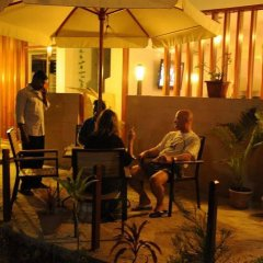 Отель HolidayMakers Inn Мальдивы, Северный атолл Мале - отзывы, цены и фото номеров - забронировать отель HolidayMakers Inn онлайн интерьер отеля