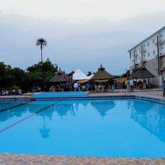 Апартаменты AES Luxury Apartments бассейн