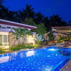 Отель The Fong Krabi Resort бассейн