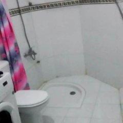 Отель Holiday Home Rue Ghazal Марокко, Танжер - отзывы, цены и фото номеров - забронировать отель Holiday Home Rue Ghazal онлайн ванная фото 2
