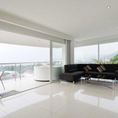 Отель Karon Sunset Sea View балкон
