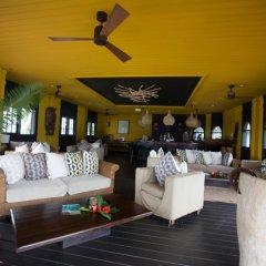 Отель Bom Bom Principe Island интерьер отеля