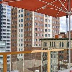 Отель Hilton Checkers США, Лос-Анджелес - 9 отзывов об отеле, цены и фото номеров - забронировать отель Hilton Checkers онлайн балкон
