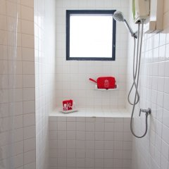 Отель ZEN Rooms Pratunam ванная фото 2