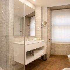 Отель Exe Almada Porto Порту ванная фото 2