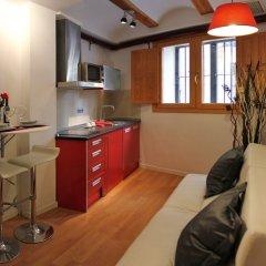 Отель Apartamentos Lonja Валенсия в номере фото 2