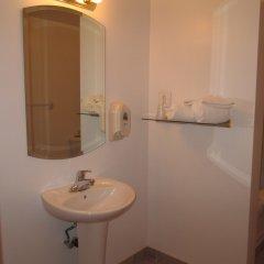 Отель Motel Montcalm Канада, Гатино - отзывы, цены и фото номеров - забронировать отель Motel Montcalm онлайн ванная