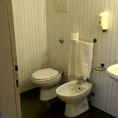 Hotel Tenesi Манерба-дель-Гарда ванная
