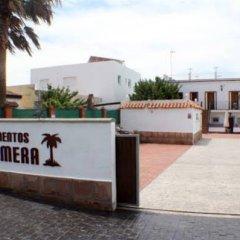 Отель Apartamentos La Palmera Испания, Кониль-де-ла-Фронтера - отзывы, цены и фото номеров - забронировать отель Apartamentos La Palmera онлайн парковка