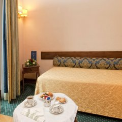 Отель Ambasciatori Palace Рим в номере