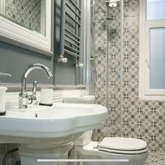 Stylish Triplex House Balat Турция, Стамбул - отзывы, цены и фото номеров - забронировать отель Stylish Triplex House Balat онлайн ванная фото 2