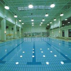 Regal International East Asia Hotel бассейн