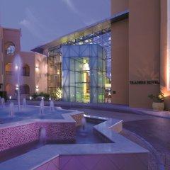 Traders Hotel Qaryat Al Beri Abu Dhabi, by Shangri-la бассейн