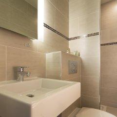 Отель Turenne Le Marais Париж ванная