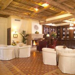 Отель Locanda dello Spuntino Италия, Гроттаферрата - отзывы, цены и фото номеров - забронировать отель Locanda dello Spuntino онлайн гостиничный бар