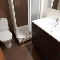Отель Hostal Flores Барселона ванная фото 2