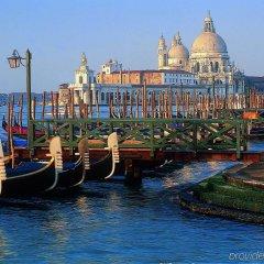 Отель Holiday Inn Venice Mestre-Marghera Маргера приотельная территория