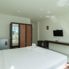 Отель Hangover Inn сейф в номере