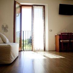 Отель B&B Al Sole Di Cavessago Беллуно комната для гостей фото 2