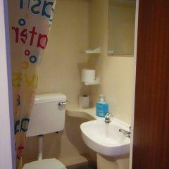 Отель Saint James Backpackers Великобритания, Лондон - отзывы, цены и фото номеров - забронировать отель Saint James Backpackers онлайн ванная фото 2