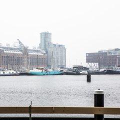 Отель Pontsteiger Нидерланды, Амстердам - отзывы, цены и фото номеров - забронировать отель Pontsteiger онлайн приотельная территория фото 2