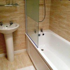 The Brentwood Hotel ванная