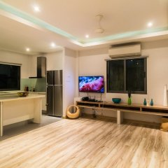 Отель Beachfront Villa Таиланд, пляж Панва - отзывы, цены и фото номеров - забронировать отель Beachfront Villa онлайн удобства в номере