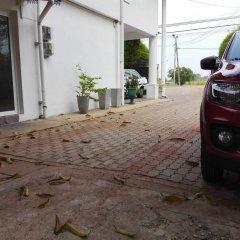 Отель Salubrious Resort Анурадхапура парковка