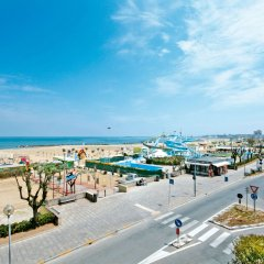 Hotel Gabbiano Римини пляж