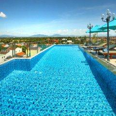 Uptown Hotel бассейн